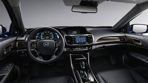 2017 Honda Accord Hybrid (4)