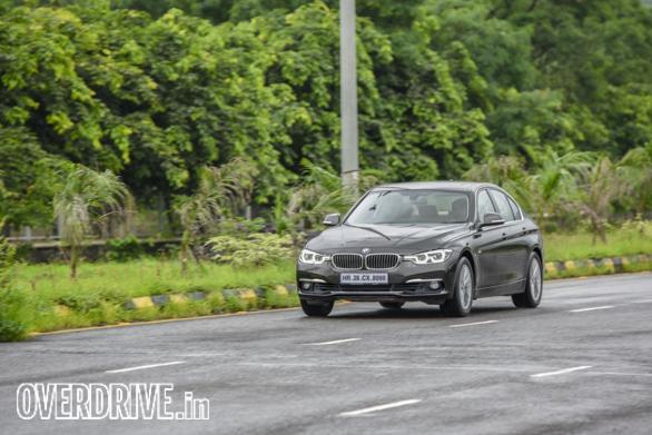 BMW 320i (1)