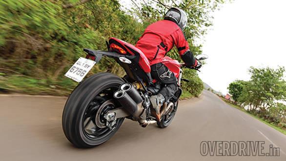 Ducati 821 Monster (4)