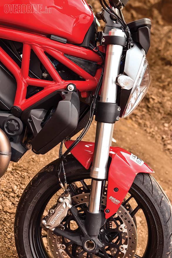 Ducati 821 Monster (7)