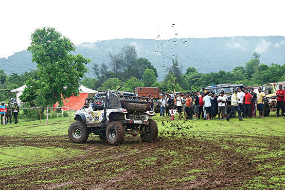 Force Gurkha RFC India 2016 Post Twilight SS26-27 (Image 2)