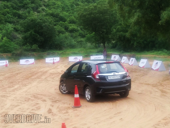 Honda Jazz Aniv Drive (7)