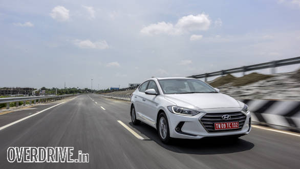 Hyundai Elantra 2016 (22)