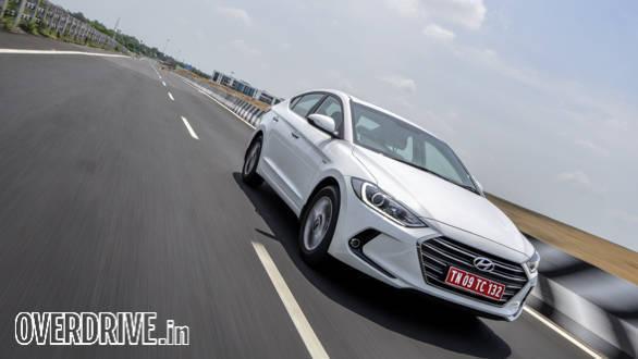 Hyundai Elantra 2016 (24)