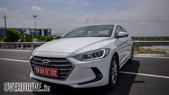 Hyundai Elantra 2016 (31)