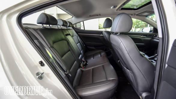 Hyundai Elantra 2016 (61)