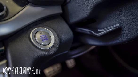 Hyundai Elantra 2016 (66)
