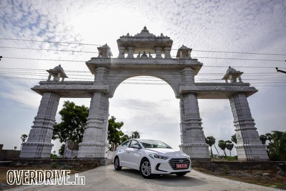 Hyundai Elantra 2016 (71)