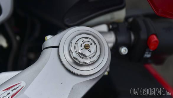 Kawasaki ZX10R vs Austa MV F4 (13)
