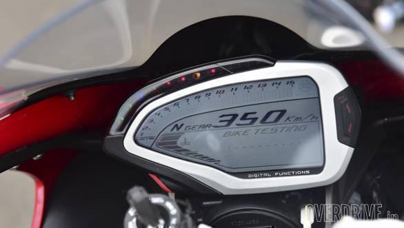 Kawasaki ZX10R vs Austa MV F4 (15)