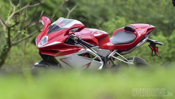 Kawasaki ZX10R vs Austa MV F4 (26)