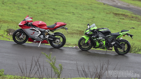 Kawasaki ZX10R vs Austa MV F4 (38)