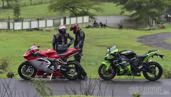 Kawasaki ZX10R vs Austa MV F4 (39)