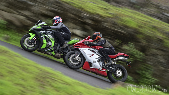 Kawasaki ZX10R vs Austa MV F4 (41)