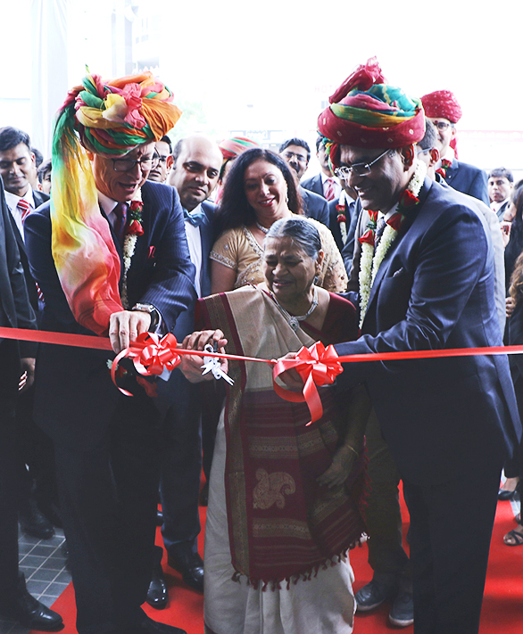 Mr. Roland Folger, Managing Director & CEO, Mercedes-Benz India and Mr. KM Thakkar, Executive Director, Emerald Motors inaugarating the largest 3S luxury car dealership at Ahmedabad
