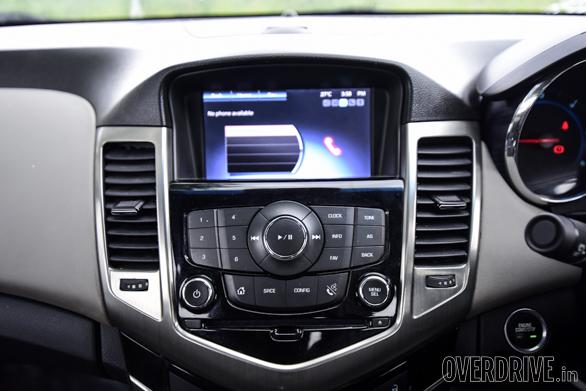 Hyundai Elantra Skoda Octavia Chevrolet Cruze (111)