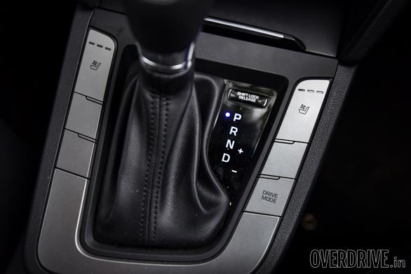 Hyundai Elantra Skoda Octavia Chevrolet Cruze (83)