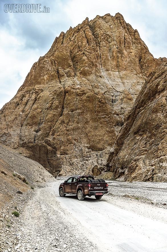 Isuzu D-Max in Ladhak (9)