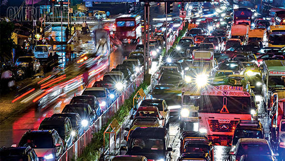 Mumbai Traffic Police bans heavy vehicles during peak hours