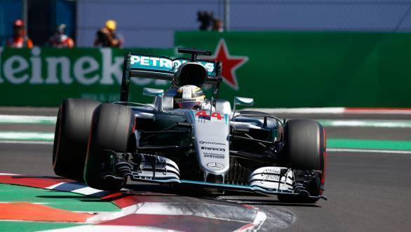 Lewis Hamilton on his way to victory at the 2016 Mexican GP