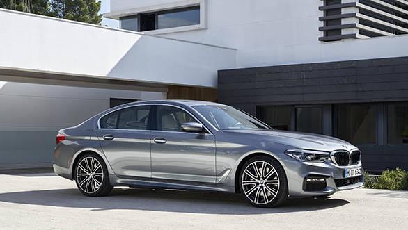 2017 BMW 5 Series (11)