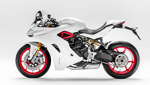 The Supersport gets a single unit seat unlike the split ones on the Panigales
