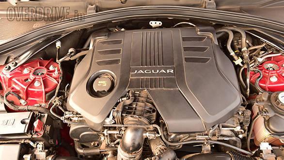 Jaguar F pace (6)