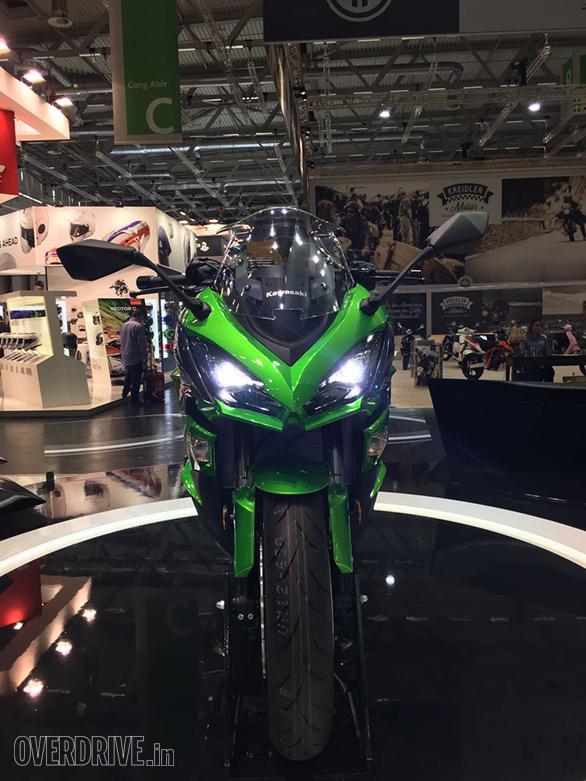 Kawasaki Ninja Z1000SX (4)