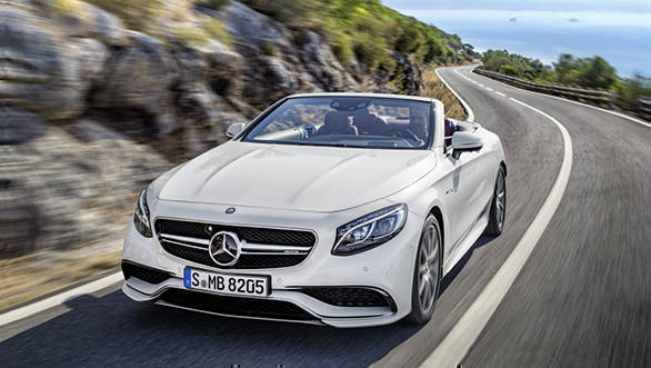 Mercedes-AMG S 63 4MATIC Cabriolet; exterior: designo diamond white bright, interior: bengal red/black; Fuel consumption, combined (l/100 km):   10.4, CO2 emissions, combined (g/km):  244