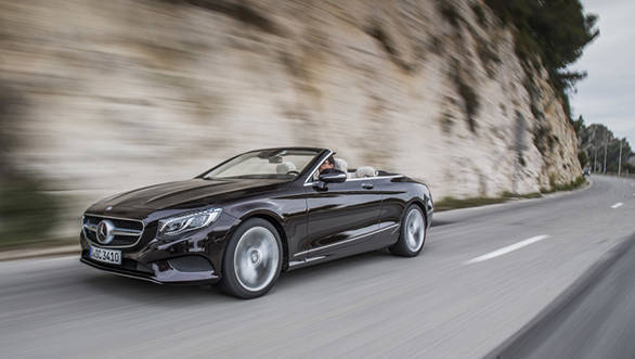 Mercedes Benz S 500 Cabriolet, rubinschwarz-mettalic, Leder: designo beige ;Kraftstoffverbrauch kombiniert: 8,5 (l/100 km), CO2-Emissionen kombiniert: 199 (g/km) Mercedes Benz S 500 Cabriolet, ruby black, Leather: designo Exclusive nappa porcelain / espresso brown; Fuel consumption, combined: 8.5 (l/100 km), CO2 emissions, combined:  199 (g/km)