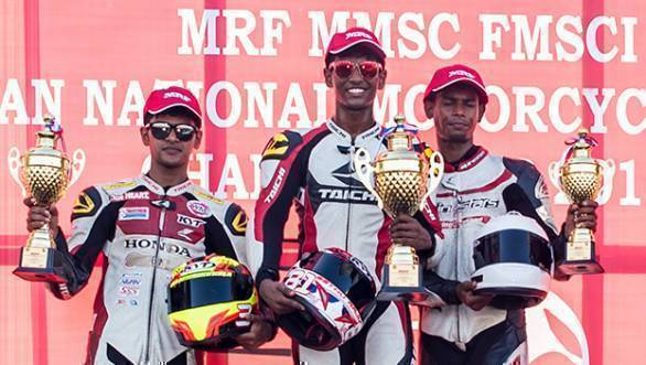 Rajiv Sethu (centre), winner of both races in the Pro Stock 165cc class, flanked by Hari Krishnan (left) and Prabhu Arunagiri - width=