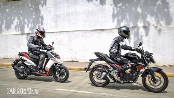 Suzuki Gixxer 150 vs Aprilia SR 150 (10)