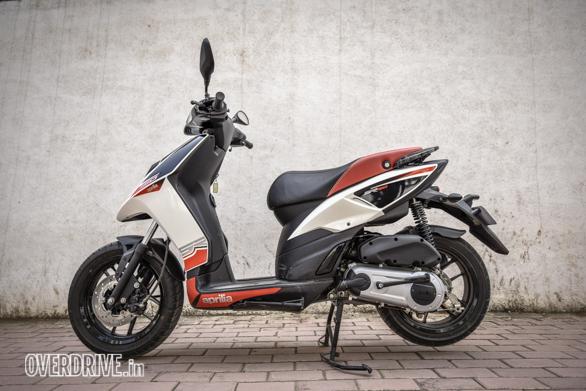 Suzuki Gixxer 150 vs Aprilia SR 150 (11)