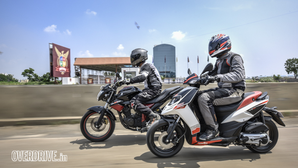 Image gallery: Aprilia SR150 vs Suzuki Gixxer