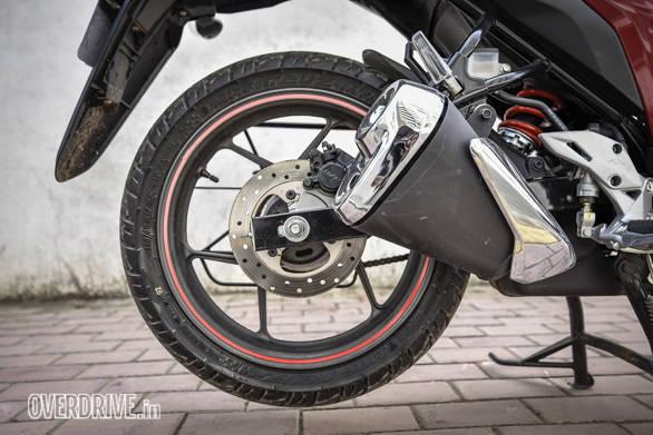 Suzuki Gixxer 150 vs Aprilia SR 150 (87)