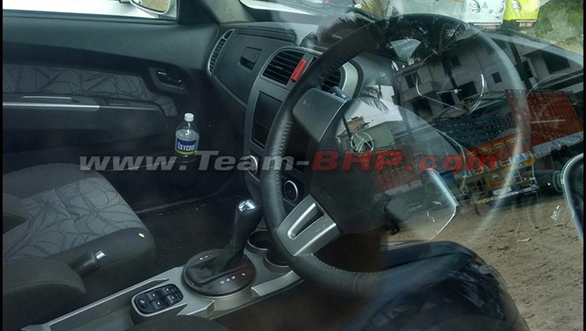 Tata-Xenon-facelift-AT-spied-1024x766