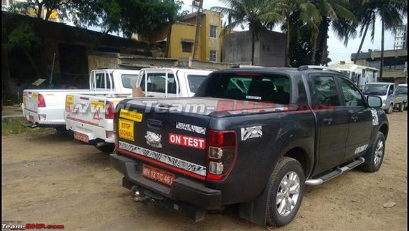 Tata-Xenon-facelift-rear-spied-1024x631