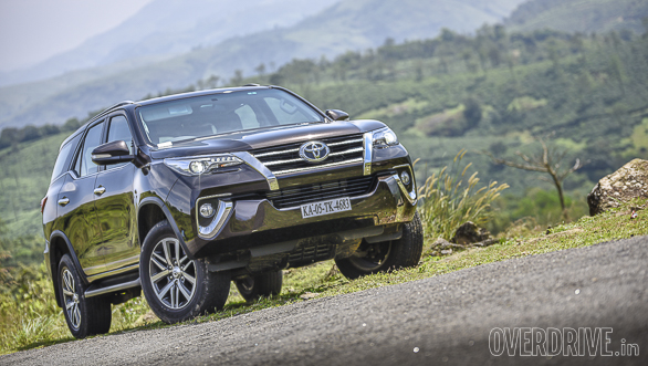 Image gallery: 2016 Toyota Fortuner review