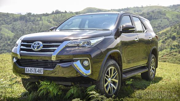 2016 Toyota Fortuner (98)