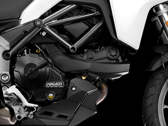 The Multistrada 950 gets a new Testastretta, L-Twin cylinder Mono Spark, Desmodromic, liquid cooled motor that develops 113PS at 9,000rpm and 96.2Nm at 7,750rpm