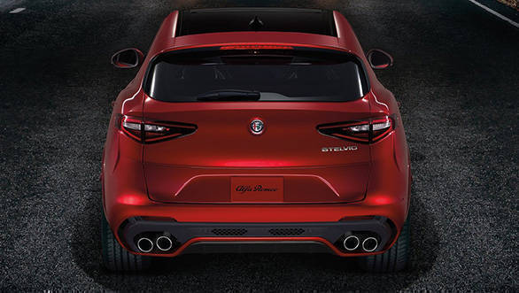 Alfa_Romeo-Stelvio_Quadrifoglio-2018-1280-08