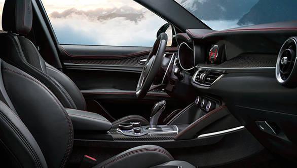 Alfa_Romeo-Stelvio_Quadrifoglio-2018-1280-0c