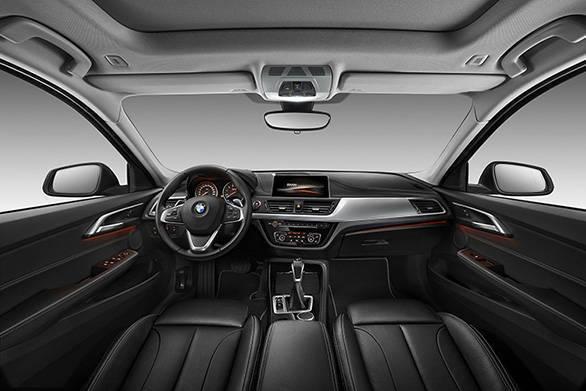 BMW 1 Series sedan (2)