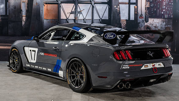 Ford Mustang GT4 (2)