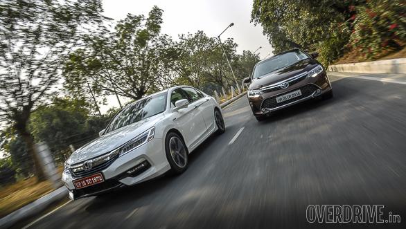 Honda Accord Hybrid vs Toyota Camry Hybrid (1)