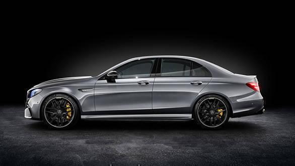 Mercedes-AMG E 63 S 4MATIC+, Studioaufnahme ;Kraftstoffverbrauch kombiniert: 9,2 - 8,9l/100 km; CO2-Emissionen kombiniert: 209 - 203 g/km Mercedes-AMG E 63 S 4MATIC+, studio shot; Fuel consumption combined: 9,2 - 8,9 l/100 km; Combined CO2 emissions: 209 - 203 g/km