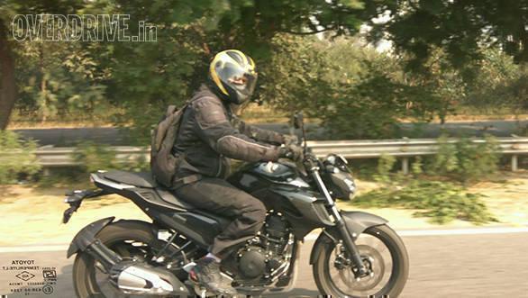 Yamaha FZ 250 (2)
