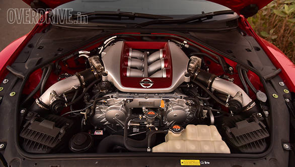 2016 Nissan GTR (10)