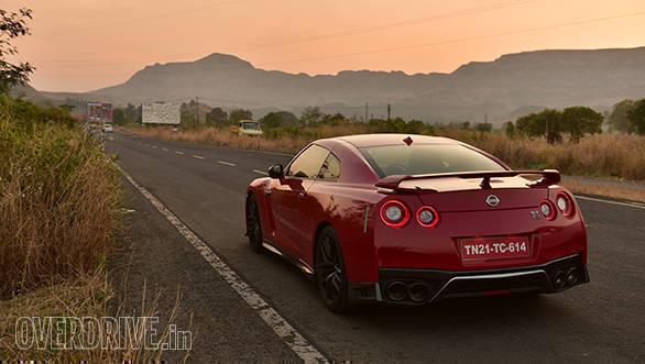 2016 Nissan GTR (4)