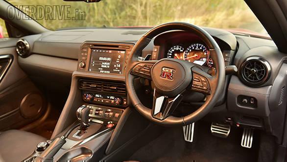 2016 Nissan GTR (8)